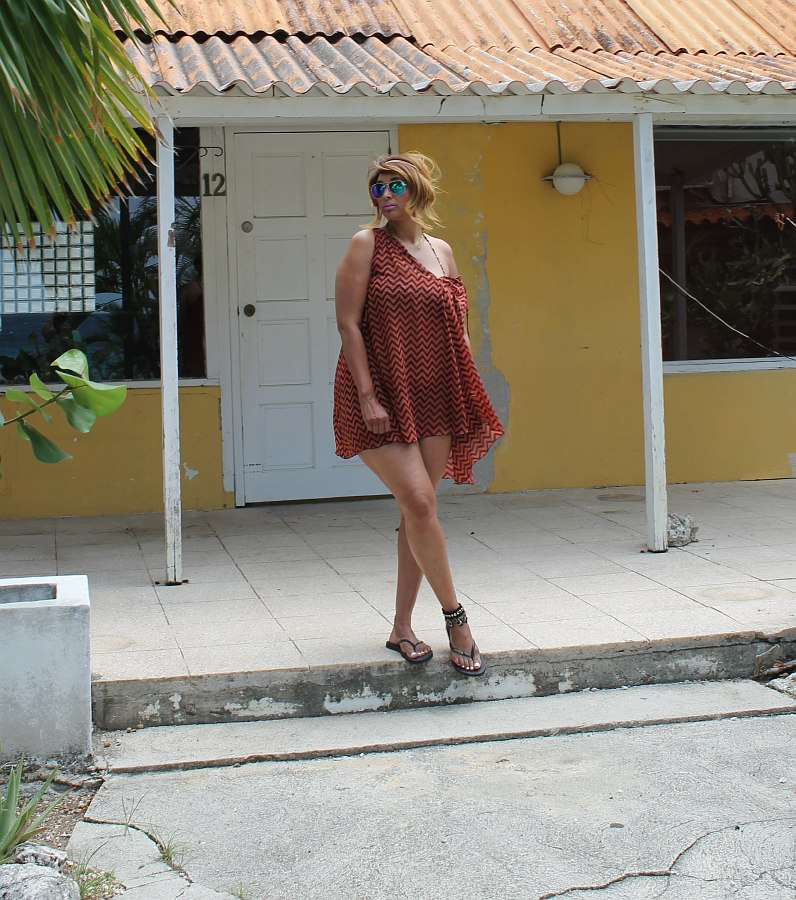 curvy beach fashion