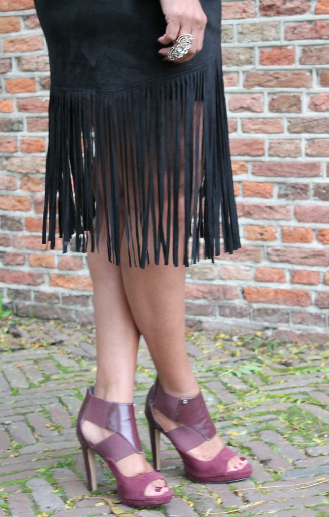 close up fringe rok