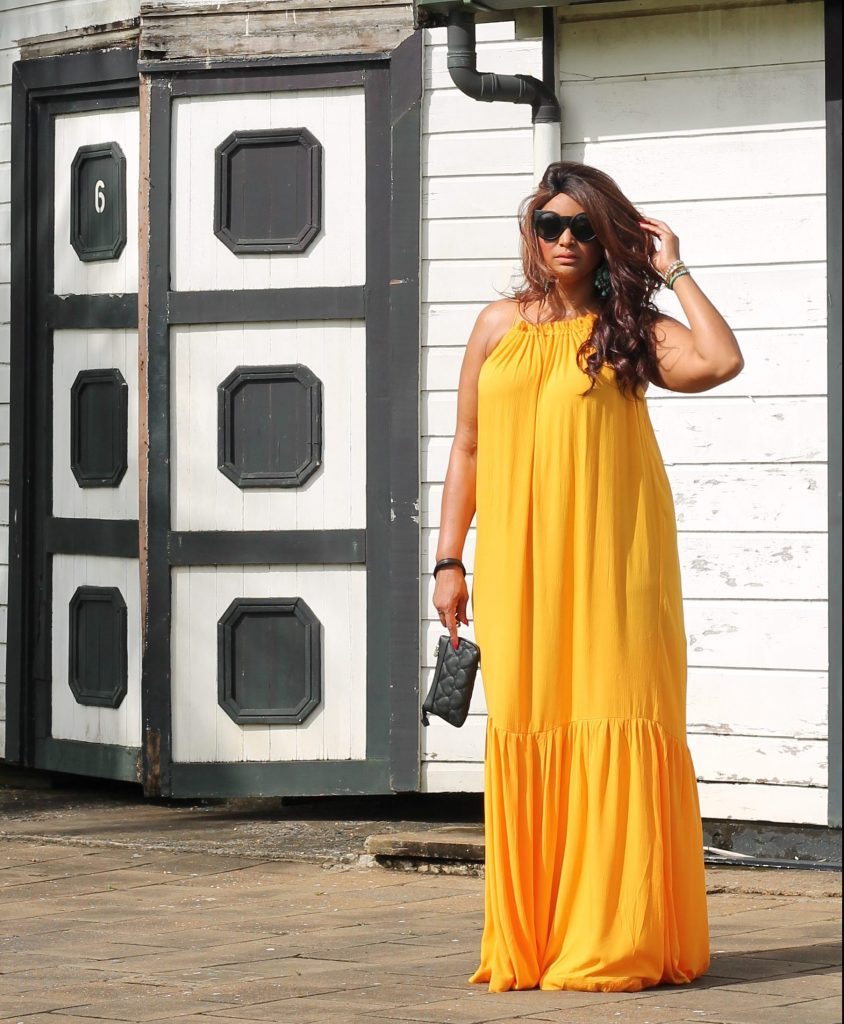 curvy fashion blogger Mango Violeta